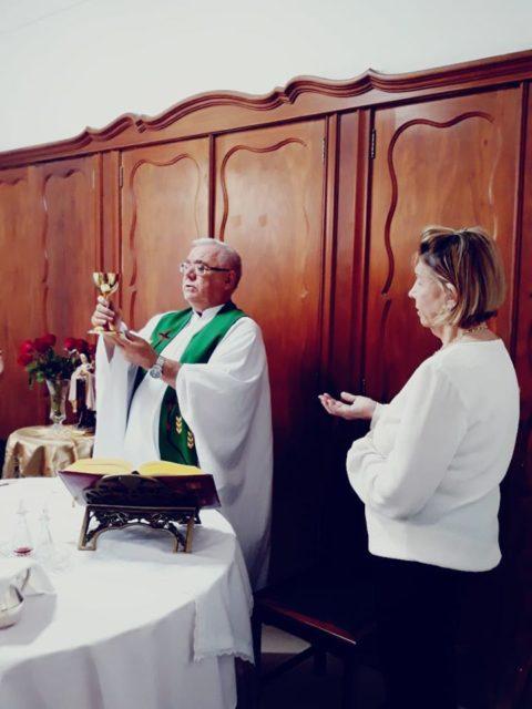 Celebração de Santa Teresinha